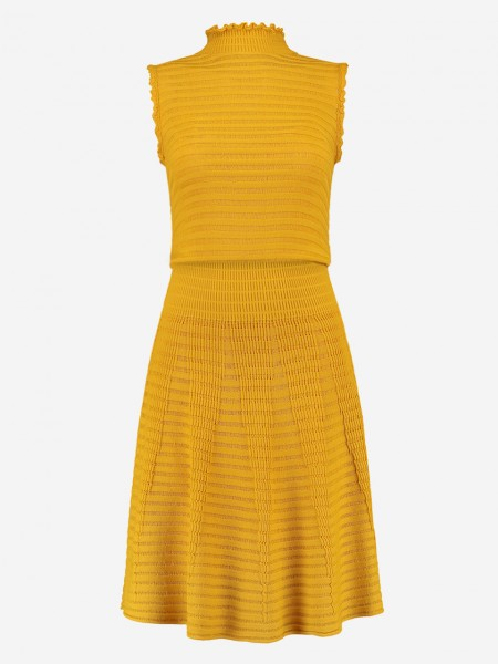 Yellow flared dress with pattern