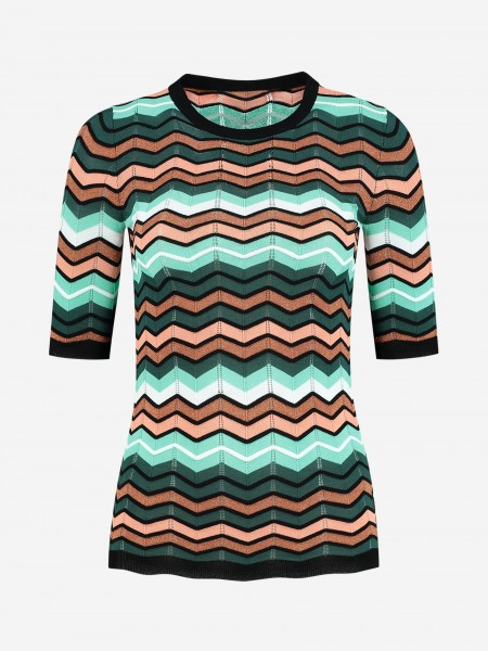 Top with zigzag pattern
