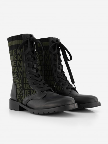 Knitted boots with NIKKIE logo