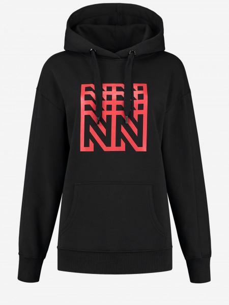 Zwarte hoodie met N-artwork