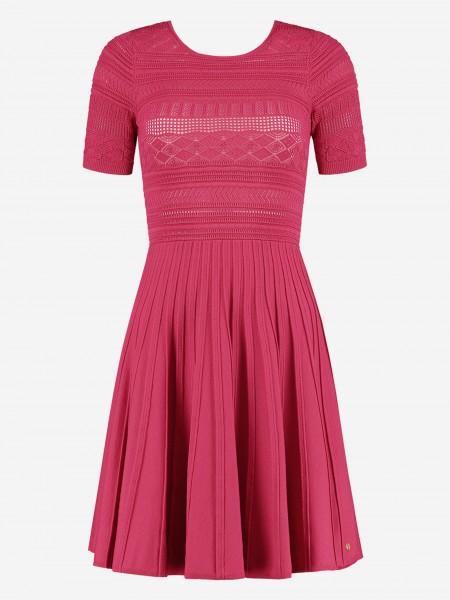 Dress with short sleeves and pleats