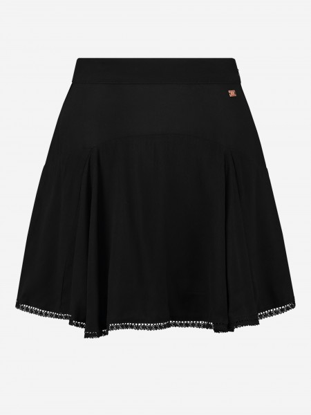 SKORT WITH LACE BOTTOM
