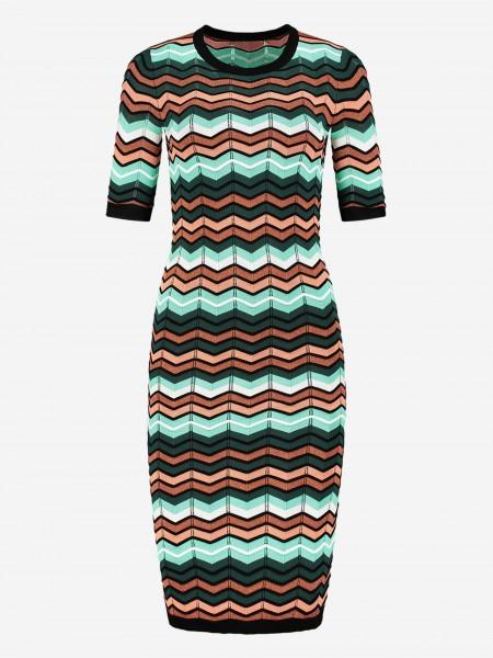 Dress with zigzag pattern