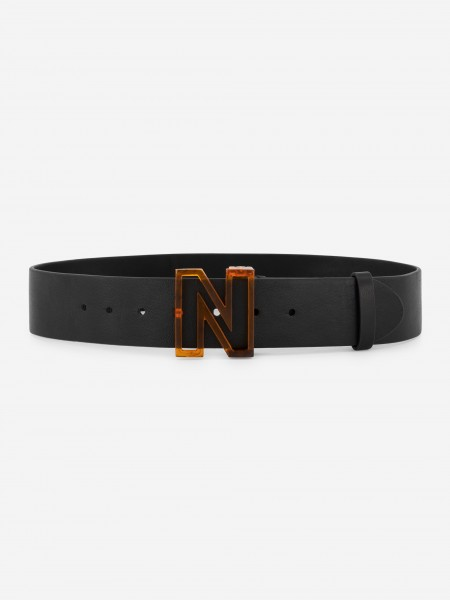 Leather belt with tortoise buckle