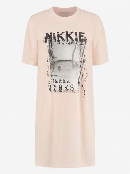 OVERSIZED TEE DRESS WITH NIKKIE ARTWORK
